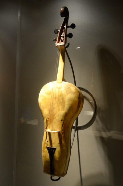 Leather fiddle