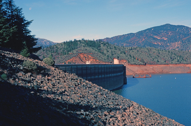 Construction towers Shasta Lake